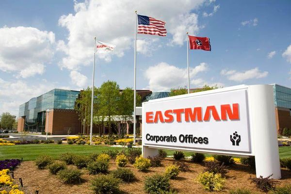 Eastman dégoulotte ses alkyles amines